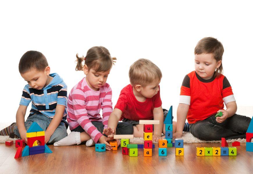Juguetes y juegos en la infancia
